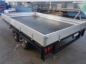 collapsable side trailer design